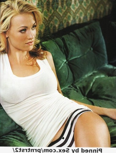 Next-Episode.Net – Yvonne Strahovski – Babe Of The Day – N1326