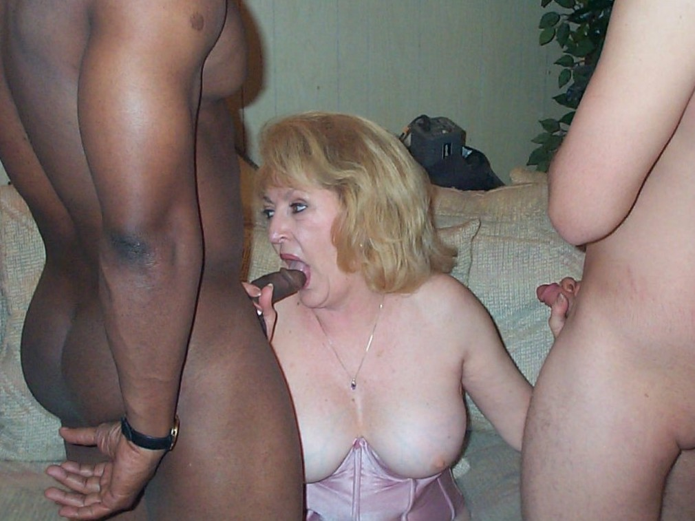older mature wife granny grandma loves to give head suck cock